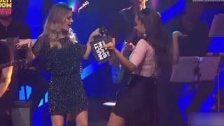 Sandy e Anitta dançam Bang cantada por Tiago Iorc