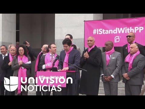 watch Legisladores y celebridades de Hollywood piden al gobierno seguir financiando Planned Parenthood