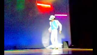 Michael Jackson - Moon Is Walking/ This Place Hotel/ Smooth Criminal/ By: TLC Show