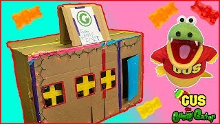 Giant Restaurant Box Fort Challenge with Gus