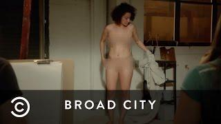 Ilana The Nude Model   Broad City