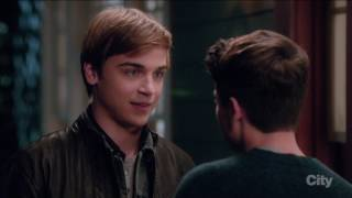 Brett Young / Kenny O'Neal (gay kiss #2) - The Real O'Neals (tv series)
