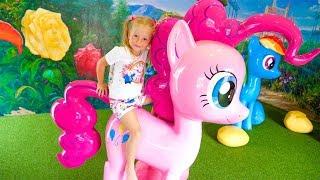 Май литл пони - парк для детей Настя и пинки пай лучшие подружки My little pony theme park for kids