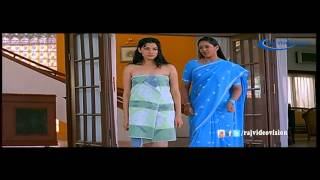 Aaha Ethanai Azhagu_ Bath Dress Scene
