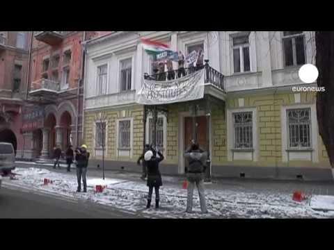 Activistas ucranianas nuas contra Índia