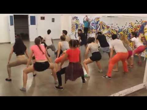 Mueve el Toto Academia de Baile Divirtiéndose