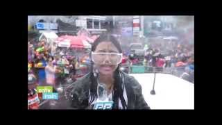 Thailand - Reporter during Songkran : a wet job !