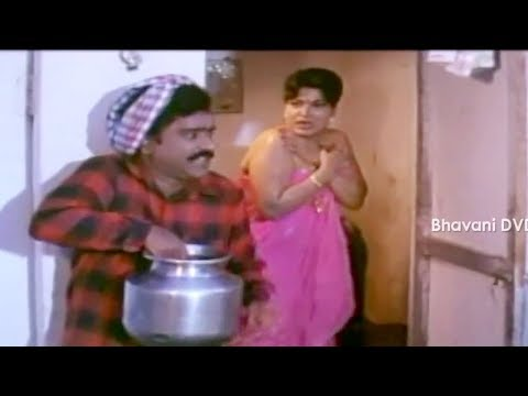 Xxx Mp4 Gopala Krishna Watches Aunty Bathing In Bathroom Telugu Movie Scenes Bhavani Movies 3gp Sex