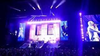 Eminem - Survival (LIVE in Paris 2013)