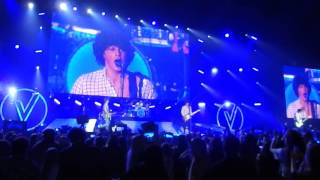 The vamps - kung fu fighting & medley -birmingham