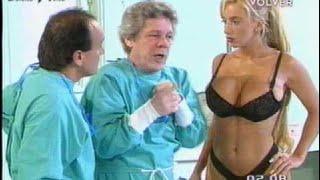 Sabrina Pettinato sexy nurse in Rompeportones