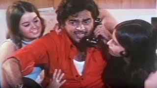 Shatrughan Sinha, Gaai Aur Gori - Scene 2/20