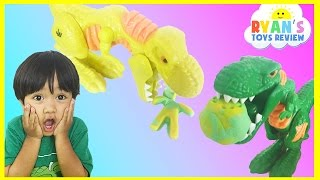 Play do Jurassic world wreck 'n Roar Dinosaur game for kids