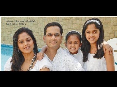 Tamil Actress Nadhiya Family Photos