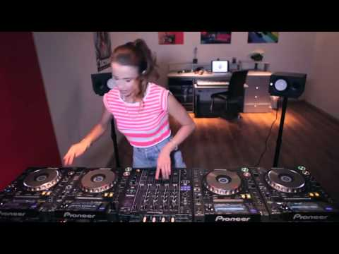 la mejor dj mujer del mundo DJ Juicy M 2014