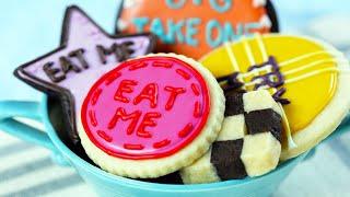 ALICE IN WONDERLAND 'EAT ME' COOKIES - NERDY NUMMIES