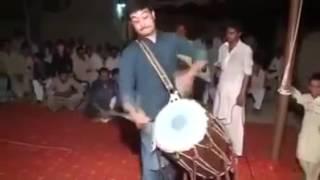 Punjabi Best Dhol Play In Punjab Pakistan - YouTube Desi Drummer