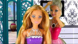 Damy i Wieśniaczki Barbie. Bajka dla dzieci po polsku. The Sims 4.