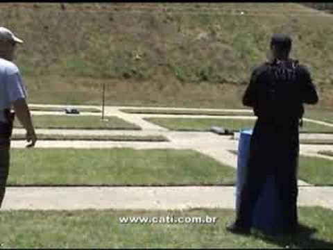 Treinamento de tiro na SWAT