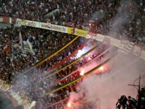 Inter 1x0 SP Libertadores 2010 ruas de fogo e show da torcida colorada by Fred