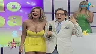 Andressa Urach Gostosa de Vestidinho Amarelo