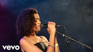 AlunaGeorge - I Remember in Live Lounge