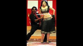 Actress navel grabbed and enjoyed