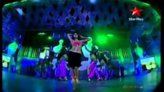 Katrina Kaif Live Performing on Sheila Ki Jawani At 17th Star Screen Awards (2011)