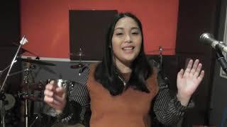 Lucy Mapang penyanyi Iban yg berbakat