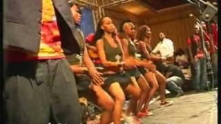 FERRE GOLA & SES GAULOIS SEBEN DANSEUSE LIVE CONCERT VIP 2 AU GHK 2010