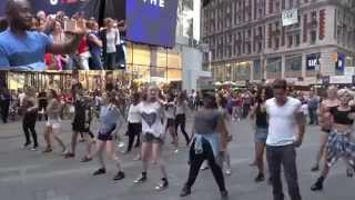 Popped the Q! | Times Squares NY | Wizkid -