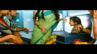 Sexy Desi Actress Priya anand Hottest ass show in saree while walking