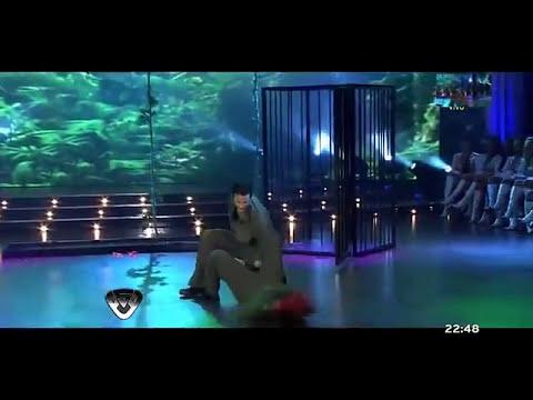 Paula Chaves Strip Dance Bailando por un Sueño 2011
