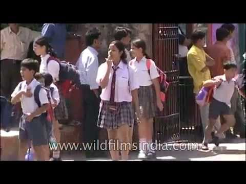 Xxx Mp4 Springdales School Girls And Boys Cross Road In Delhi 3gp Sex