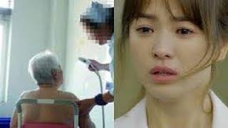 Một lần thay chồng tắm cho bố chồng mù, cô con dâu kinh hãi khi bỗng nhiên ông nhìn cô nói...