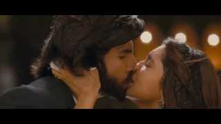 Deepika Padukone all Kissing Scene from Ramleela