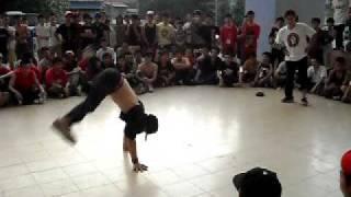 Thung Pha Sanh (phai) vs Crusader.AVI
