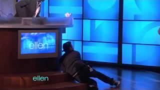 Web Exclusive: Ellen Scares Andy!