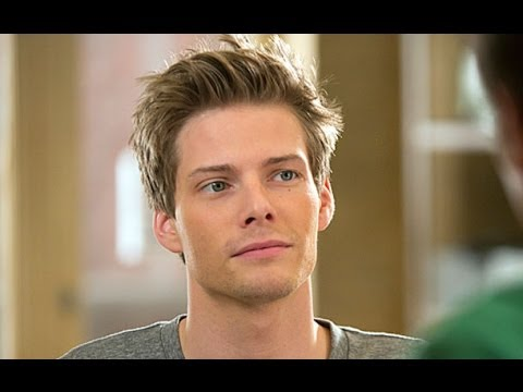The Good Wife Recruits Weeds Alum Hunter Parrish for a Season 5 Guest Spot