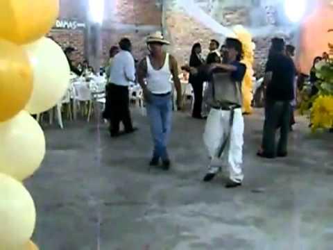 Borrachos Bailando Tribal