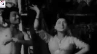 Zara Jhoom Le Jawani Ka Zamana Hai - Rafi, Geeta Dutt - NAUJAWAN - Premnath, Kamal Mehra, Haroon