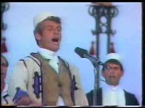 Qerim Sula Këndojnë pushkët nëpër kulla