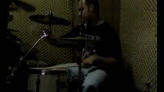 Funny Video of RetroHollics Lead Singer Play Drums - The Peba´s Drum Solo