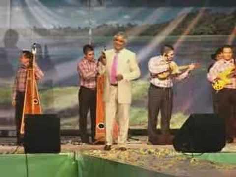 Reynaldo Armas Le Canta a Villavicencio