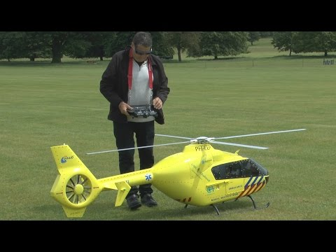 BIG SCALE RC Heli small COLLISION Weston Park International Model Show 2015