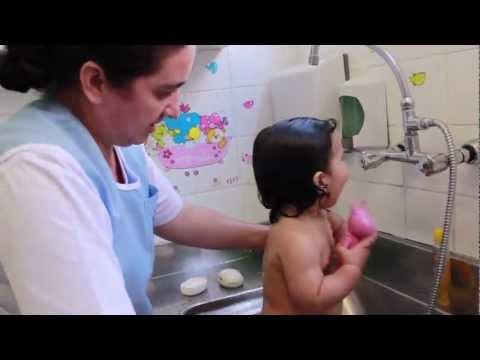 Nova Escola Hora do Banho na Creche