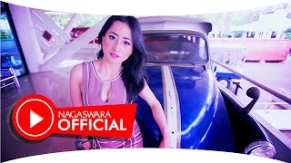 Intan Sari Iyem - Telolet Om Om (Official Music Video NAGASWARA) #omteloletom