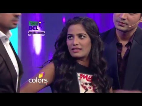 Xxx Mp4 Poonam Pandey Promises To Strip If Rowdy Bangalore Wins Frooti BCL Match 3gp Sex