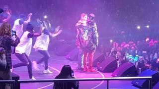 Justin Bieber ft. J. Balvin Sorry Remix (Live)