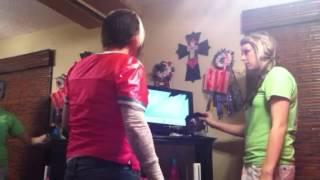 Daughter pulls Tv prank on mom